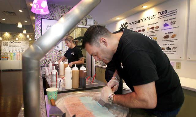 Entrepreneur brings frozen yogurt, rolled ice cream to Bear Creek Commons